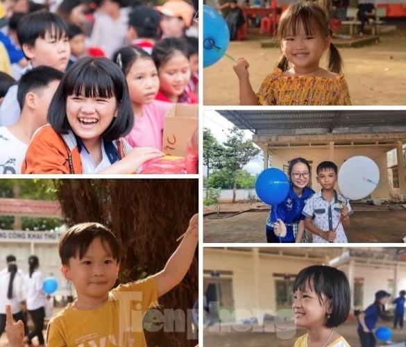 Tuổi trẻ Bình Phước mang quà trung thu đến trẻ em nghèo vùng biên giới ảnh 1