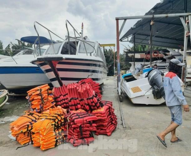 Miền Nam chi viện cano cứu dân miền Trung ngập lụt ảnh 6