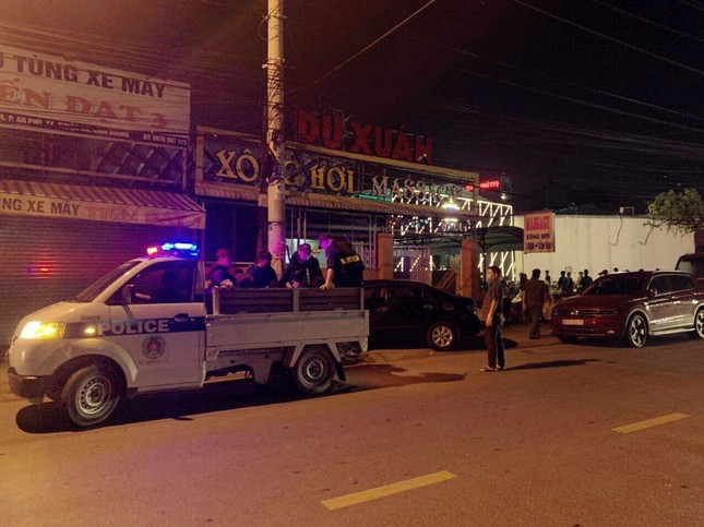Hàng chục nam, nữ phê ma túy trong quán bar ở Bình Dương ảnh 2