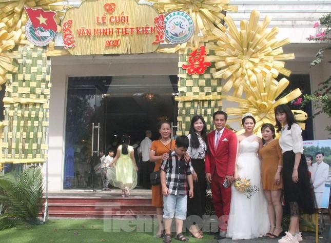 Tổ chức đám cưới tập thể cho công nhân có hoàn cảnh khó khăn ảnh 2