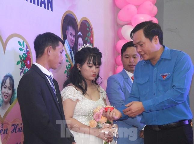 Tổ chức đám cưới tập thể cho công nhân có hoàn cảnh khó khăn ảnh 3