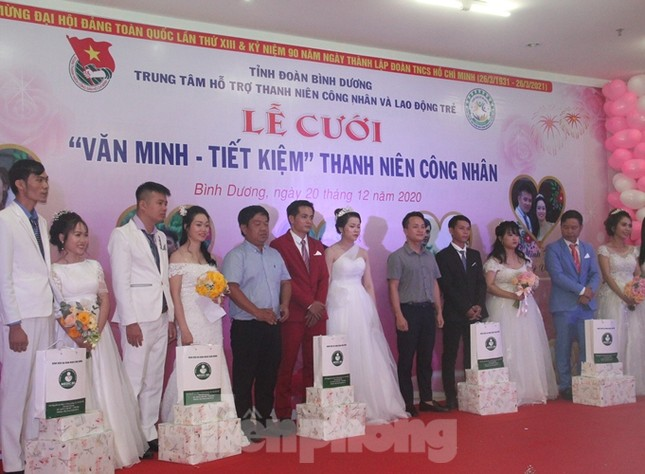 Tổ chức đám cưới tập thể cho công nhân có hoàn cảnh khó khăn ảnh 4