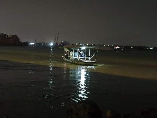 Tìm thấy thi thể vợ chồng mất tích trên sông Đồng Nai ảnh 3
