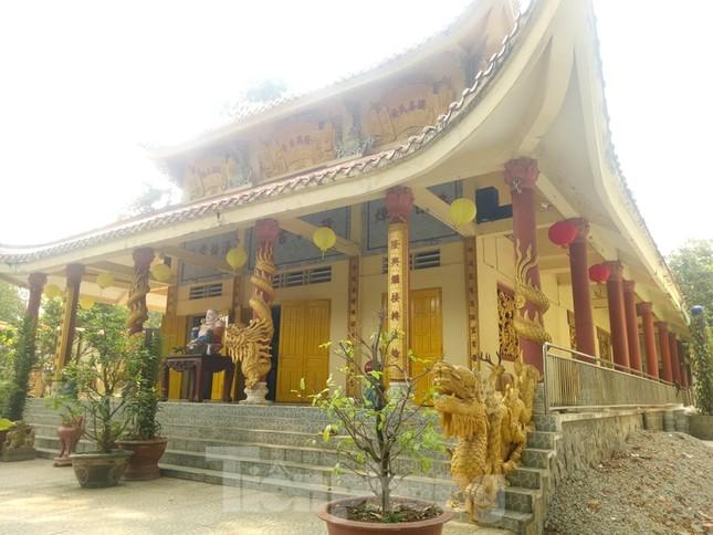 Bí ẩn ngôi chùa tưởng nhớ vị thiền sư chịu hàng ngàn con đỉa hút máu giúp dân canh tác ảnh 2