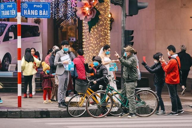 Ấn tượng ảnh cưới tặng khẩu trang 'chống corona' của đôi trẻ 9x ảnh 5