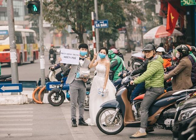 Ấn tượng ảnh cưới tặng khẩu trang 'chống corona' của đôi trẻ 9x ảnh 4