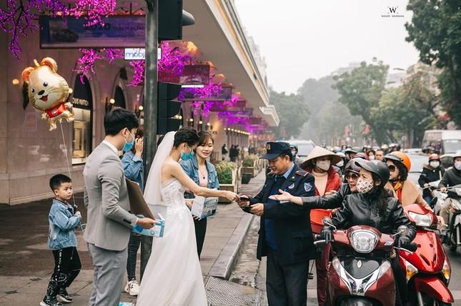 Ấn tượng ảnh cưới tặng khẩu trang 'chống corona' của đôi trẻ 9x ảnh 6