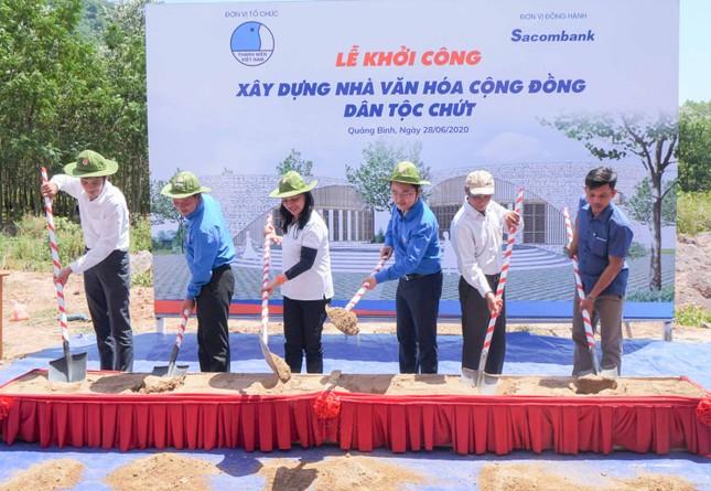 Hoa hậu H'Hen Niê dự lễ khởi công xây Nhà văn hóa cộng đồng ảnh 1