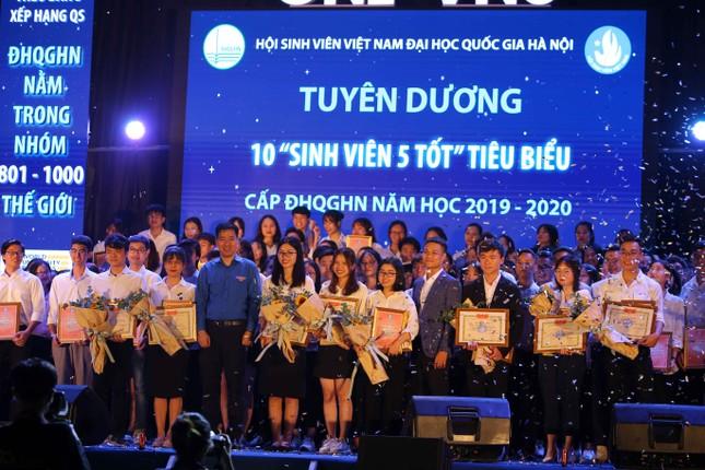 Vinh danh 199 'Sinh viên 5 tốt' ảnh 1