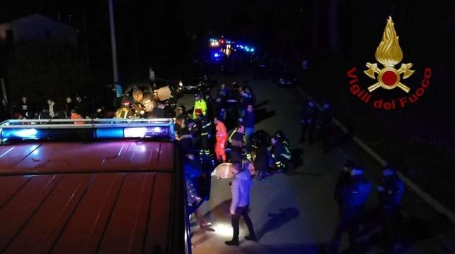Hỗn loạn trong hộp đêm, 6 người chết, 120 người bị thương ảnh 1