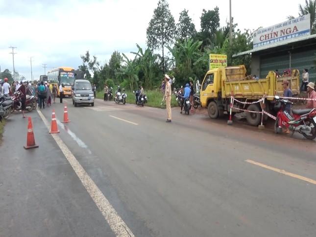 Xe máy đâm trực diện xe tải ở Bình Phước, hai người tử vong tại chỗ ảnh 1