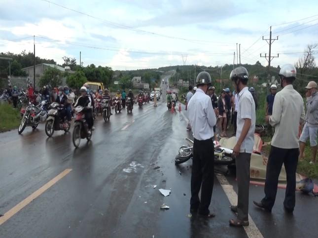 Xe máy đâm trực diện xe tải ở Bình Phước, hai người tử vong tại chỗ ảnh 2