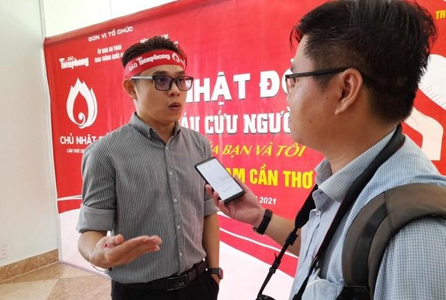 Nụ cười 'tỏa nắng' của các bạn trẻ tham gia hiến máu Chủ nhật Đỏ ảnh 14