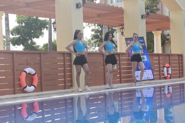 Dàn thí sinh Hoa khôi ĐH Nam Cần Thơ khoe sắc với trang phục thể thao ảnh 4