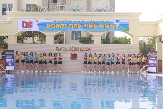 Dàn thí sinh Hoa khôi ĐH Nam Cần Thơ khoe sắc với trang phục thể thao ảnh 1