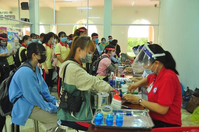 Flushing Red Sunday at South Can Tho University photo 4