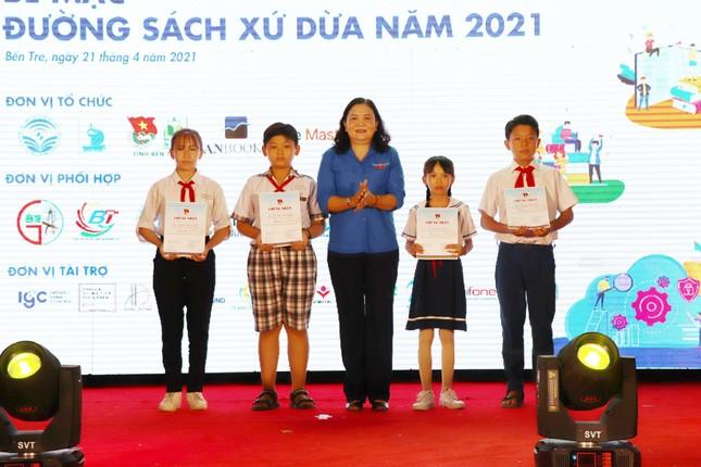 Bồi đắp văn hóa đọc cho bạn trẻ tại Đường sách Xứ Dừa năm 2021 ảnh 1