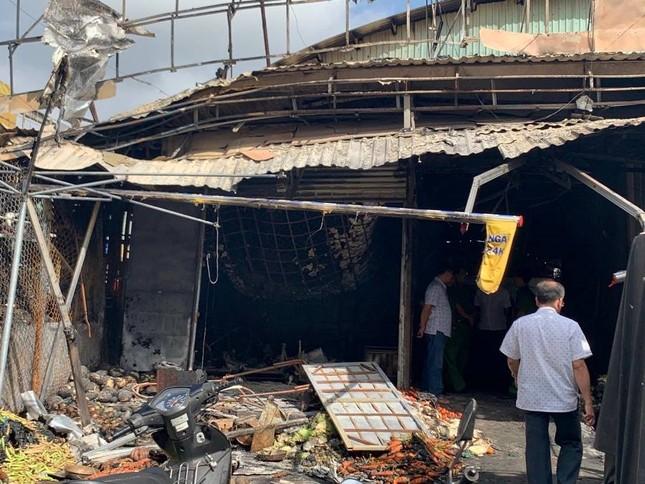 Chợ ở Kiên Giang bốc cháy trong đêm, nhiều quầy hàng bị thiêu rụi ảnh 2