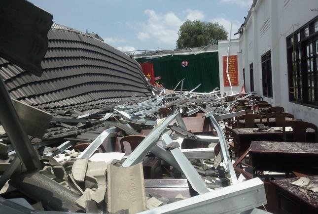 Diễn biến mới vụ sập mái hội trường 250 chỗ ngồi ở Hậu Giang ảnh 1