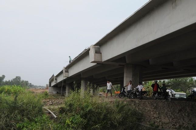Dự án cao tốc Mỹ Thuận - Cần Thơ vướng giải phóng mặt bằng ảnh 1