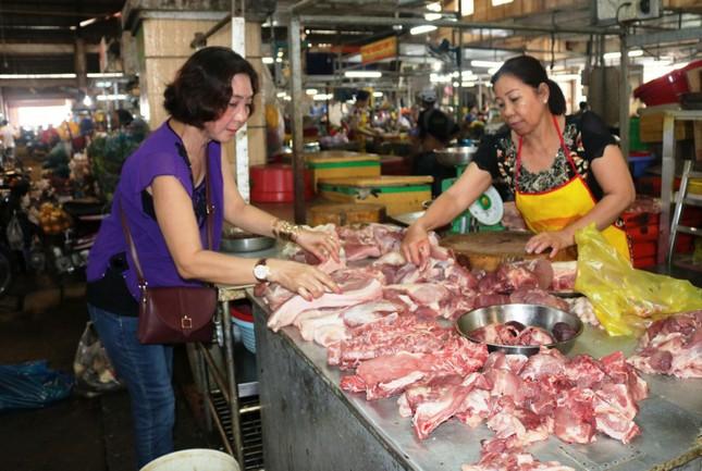 ĐBSCL: Giá thịt heo tăng, nhiều loại rau củ quả giảm ảnh 1