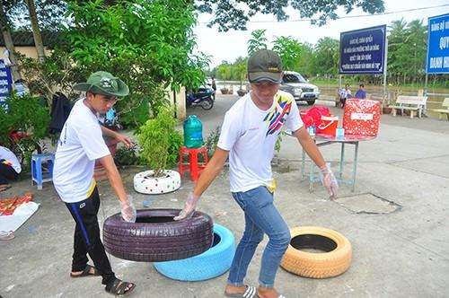 Bí thư Trung ương Đoàn thăm chiến sỹ tình nguyện ở Cần Thơ ảnh 2