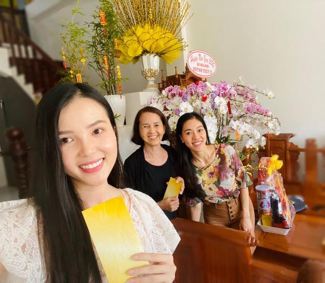 Hoa khôi Thúy Vi trang hoàng nhà rực rỡ đón xuân ảnh 7