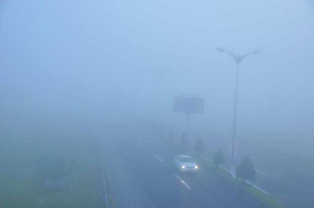 Sương mù xuất hiện dày đặc ngày đầu năm ở Cần Thơ ảnh 6