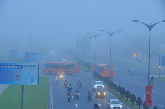 Sương mù xuất hiện dày đặc ngày đầu năm ở Cần Thơ ảnh 4