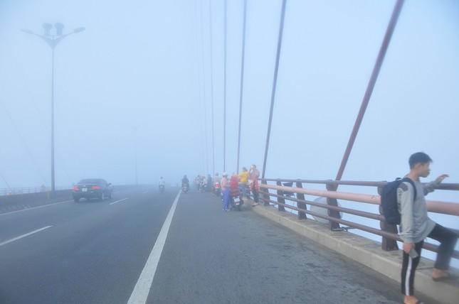 Sương mù xuất hiện dày đặc ngày đầu năm ở Cần Thơ ảnh 8