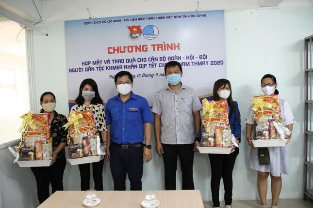Tỉnh đoàn An Giang chúc Tết Chôl Chnăm Thmây cán bộ đoàn dân tộc Khmer ảnh 1