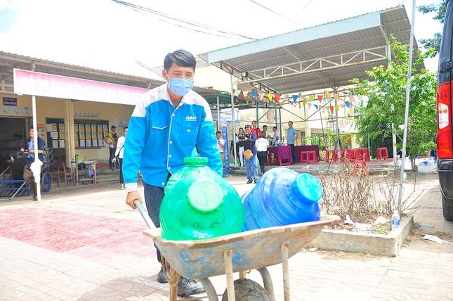 Tặng 3 hệ thống máy lọc nước nhiễm mặn Makano tại Cà Mau, Kiên Giang ảnh 13