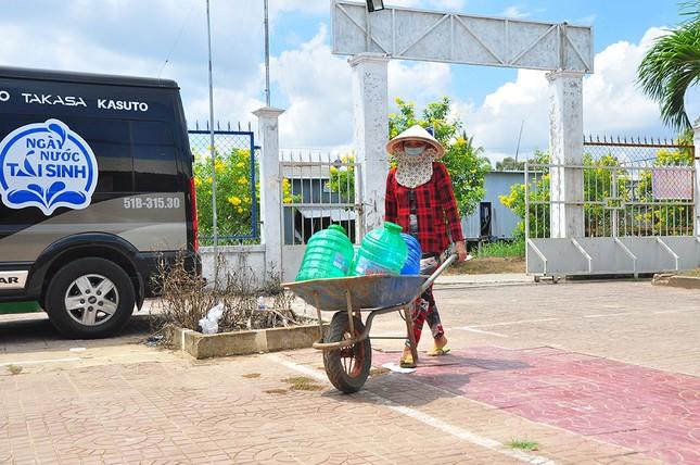 Tặng 3 hệ thống máy lọc nước nhiễm mặn Makano tại Cà Mau, Kiên Giang ảnh 10