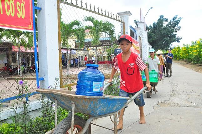 Tặng 3 hệ thống máy lọc nước nhiễm mặn Makano tại Cà Mau, Kiên Giang ảnh 12