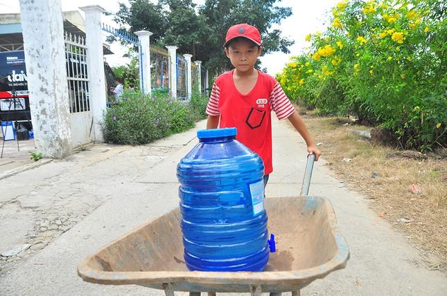Tặng 3 hệ thống máy lọc nước nhiễm mặn Makano tại Cà Mau, Kiên Giang ảnh 6