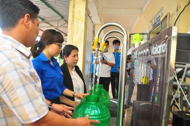 Tặng 3 hệ thống máy lọc nước nhiễm mặn Makano tại Cà Mau, Kiên Giang ảnh 3