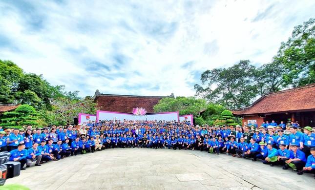 Hoa khôi Huỳnh Thúy Vi: Rèn luyện đức lẫn tài để cống hiến cho đất nước ảnh 4