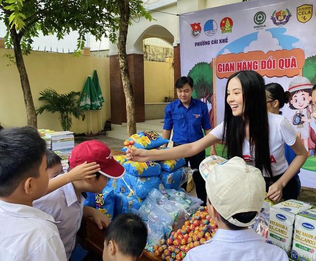 Hoa khôi Huỳnh Thúy Vi đồng hành với thiếu nhi bảo vệ môi trường ảnh 9