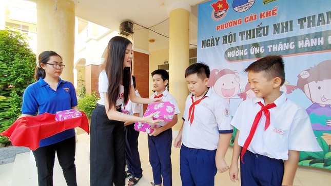 Hoa khôi Huỳnh Thúy Vi đồng hành với thiếu nhi bảo vệ môi trường ảnh 6