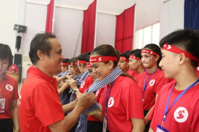 Nhiều hoạt động ý nghĩa của Hành trình Đỏ tại quê hương Bác Tôn ảnh 7