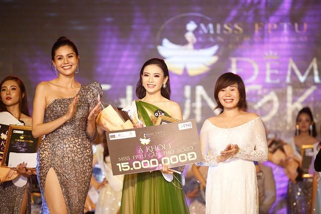 Hoa hậu Đỗ Mỹ Linh trao vương miện cho tân Hoa khôi đại học FPT Cần Thơ ảnh 5