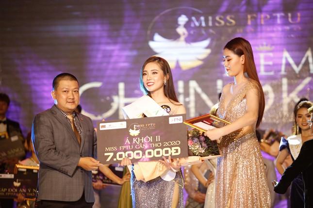 Hoa hậu Đỗ Mỹ Linh trao vương miện cho tân Hoa khôi đại học FPT Cần Thơ ảnh 8