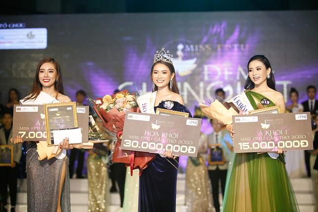 Hoa hậu Đỗ Mỹ Linh trao vương miện cho tân Hoa khôi đại học FPT Cần Thơ ảnh 3