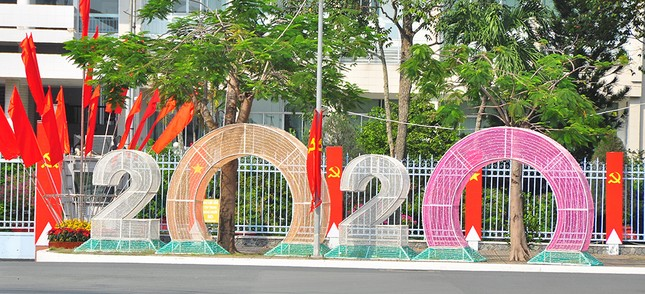 Đường phố Cần Thơ rợp bóng cờ hoa chào mừng Đại hội Đảng ảnh 5