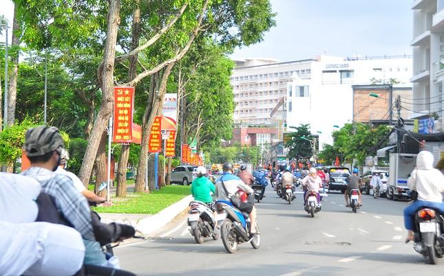 Đường phố Cần Thơ rợp bóng cờ hoa chào mừng Đại hội Đảng ảnh 4