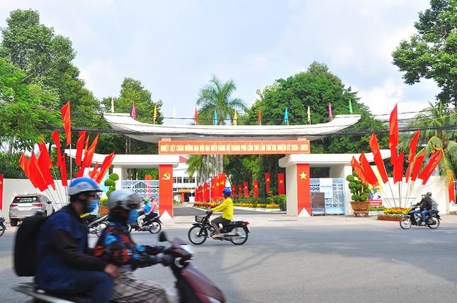 Đường phố Cần Thơ rợp bóng cờ hoa chào mừng Đại hội Đảng ảnh 1