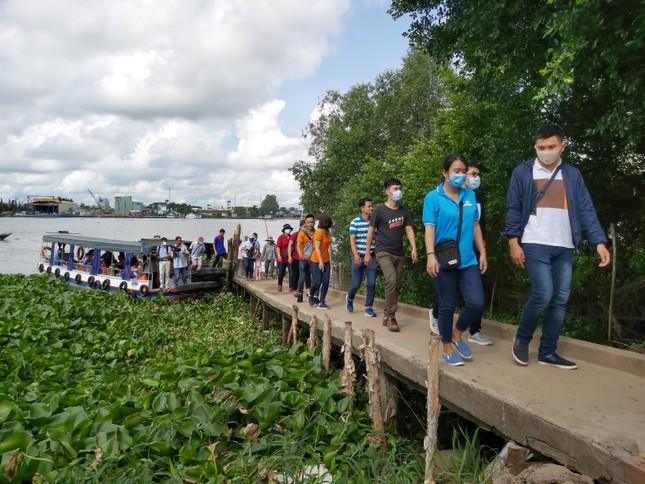 Tuổi trẻ Cần Thơ góp sức thắp sáng làng quê mừng Đại hội Đảng ảnh 4