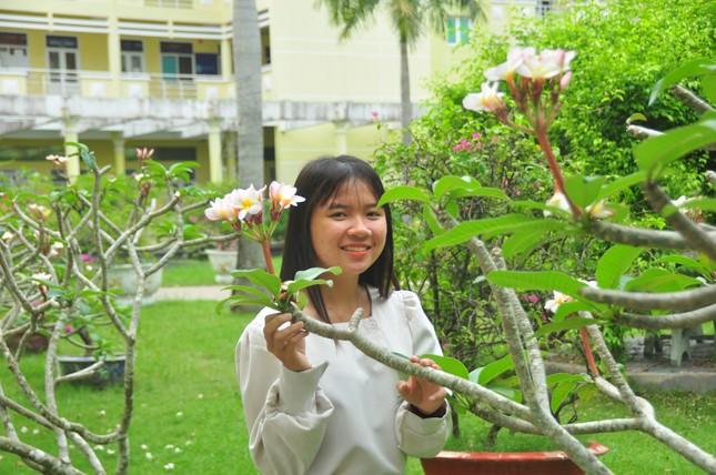 Nữ thủ khoa mồ côi mơ ước trở thành cô giáo ảnh 2