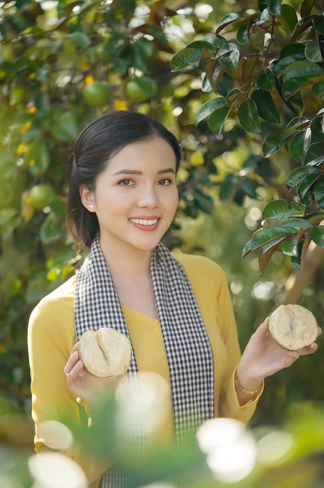 Hoa khôi Huỳnh Thúy Vi: 'Vị ngọt miền Tây' từ tình yêu quê hương  ảnh 7