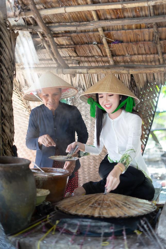 Hoa khôi Huỳnh Thúy Vi: 'Vị ngọt miền Tây' từ tình yêu quê hương  ảnh 4